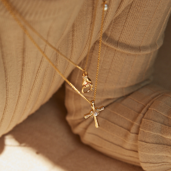 2020 Delicated Texture Cross Necklace_2Color